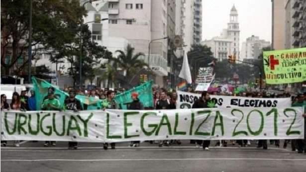 Manifestation pour la légalisation du cannabis en Uruguay